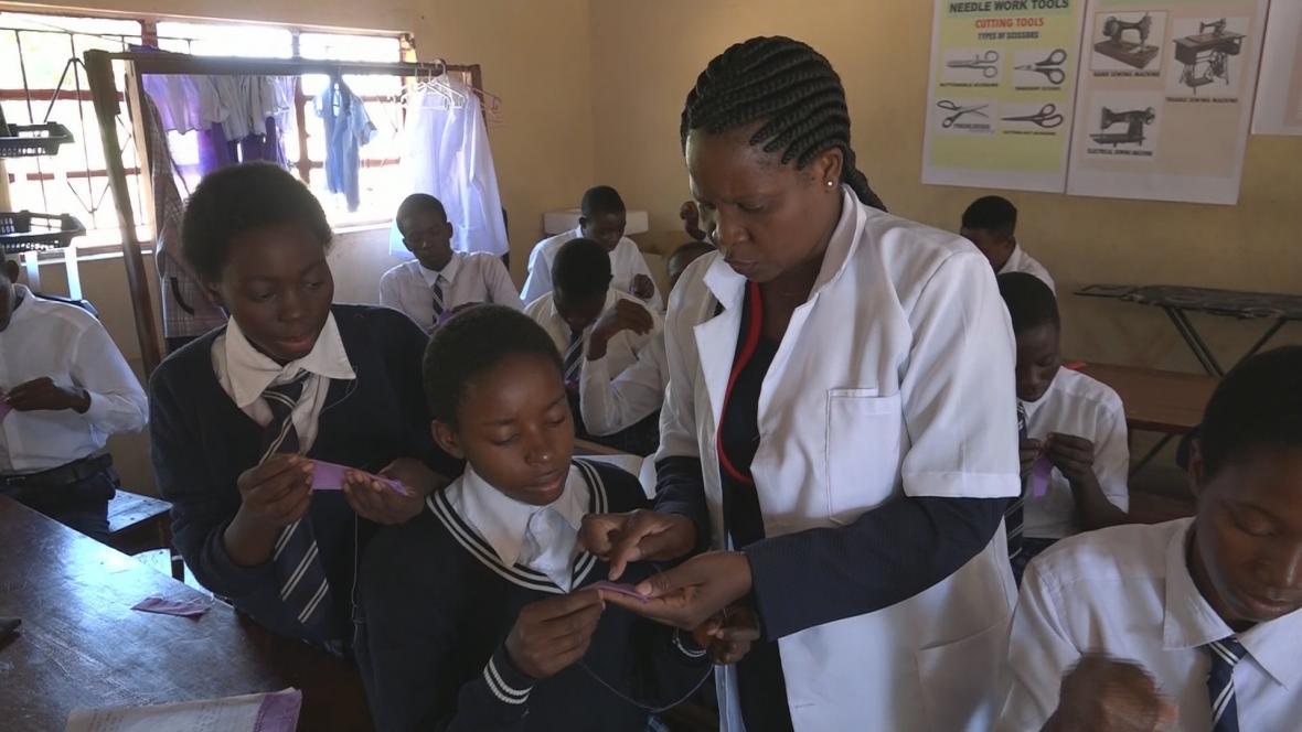 Česká republika pomáhá i se vzděláváním Zambijců