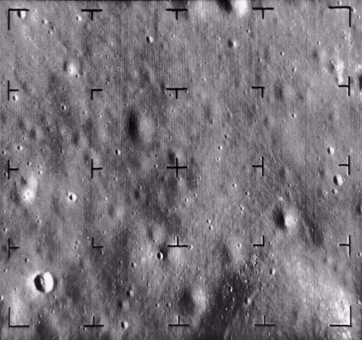 Snímek Měsíce z Rangeru 8
