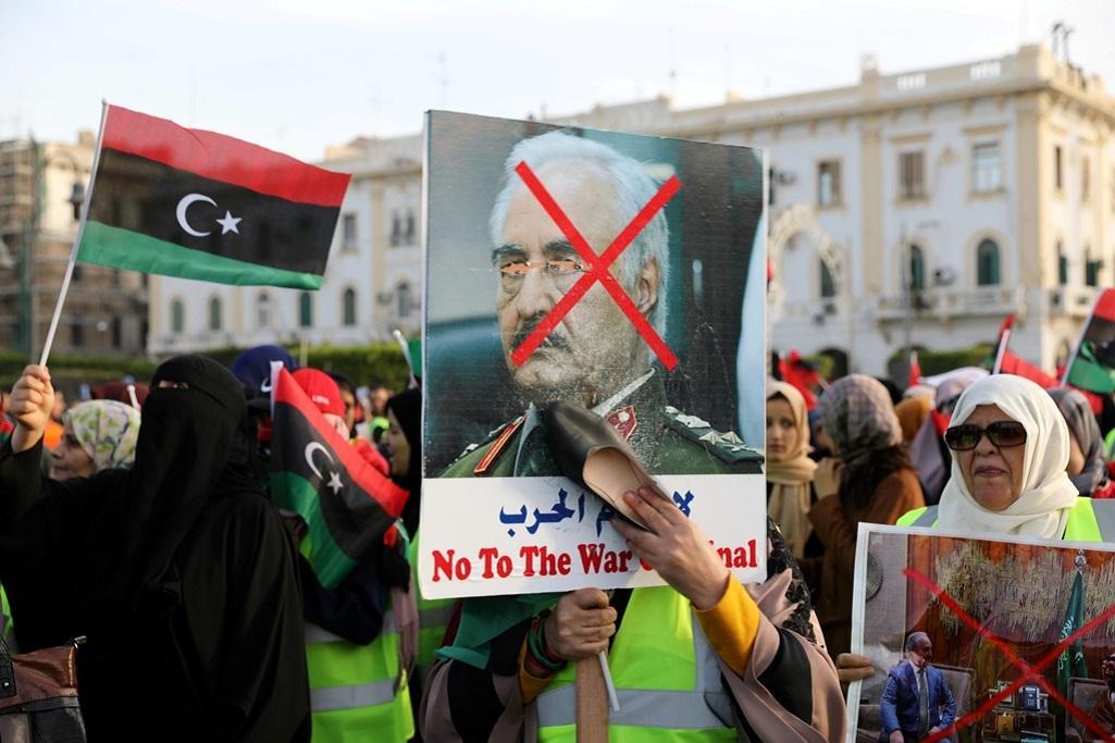Protest proti ofenzivě Chalífy Haftara v Tripolisu