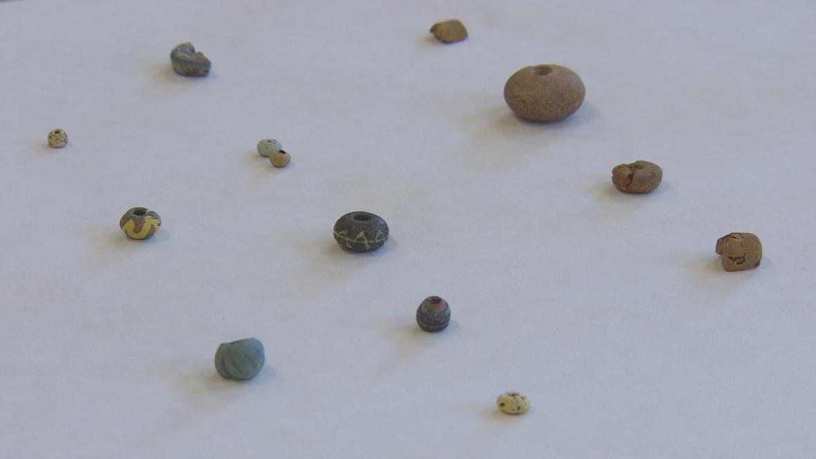 Drobné předměty nalezené v hrobkách Germánů u Sendražic