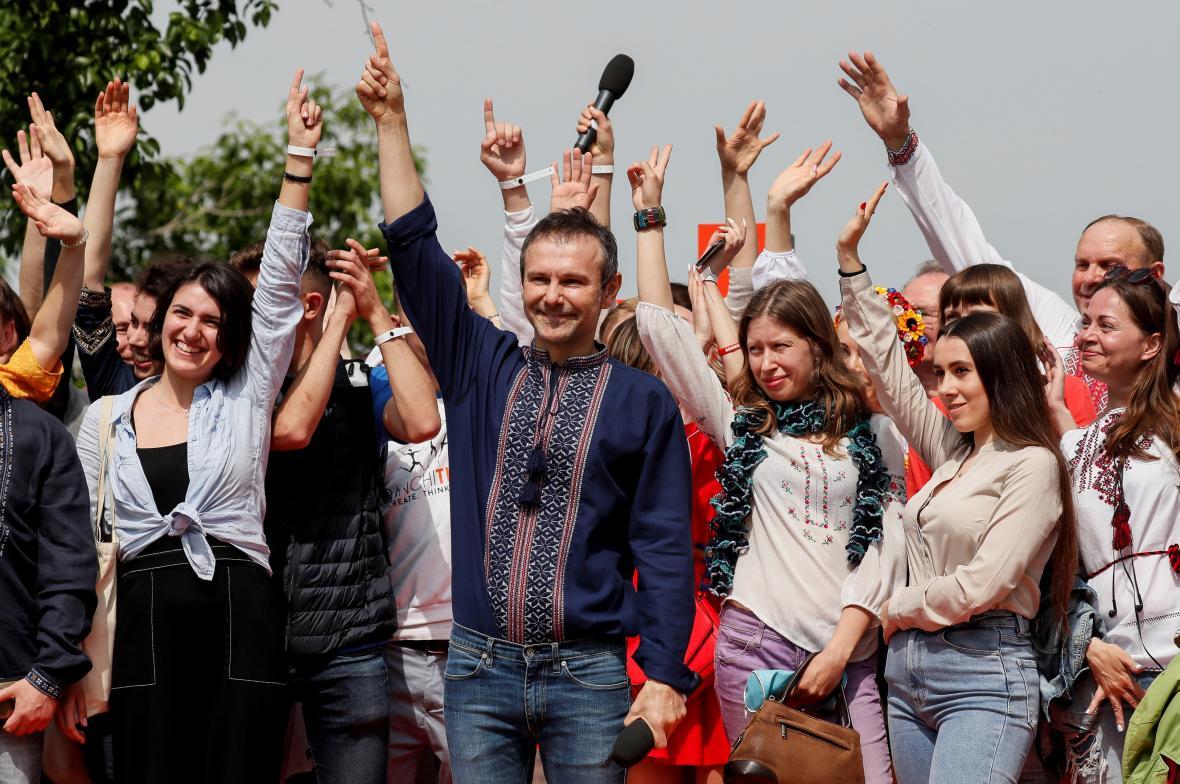Svjatoslav Vakarčuk s příznivci