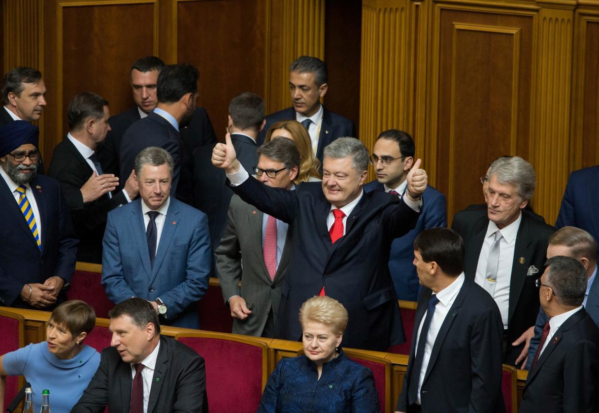 Petro Porošenko na inauguraci svého nástupce