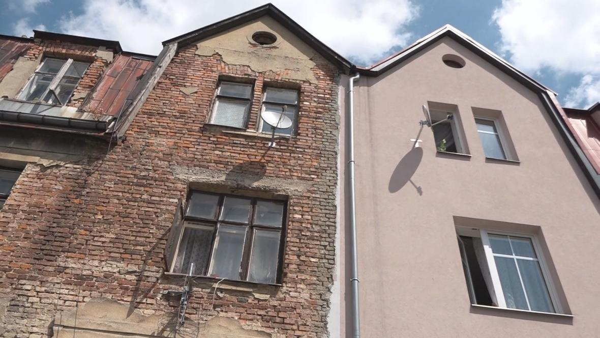 Domy ve Vojanově ulici v Liberci, které jsou součástí bezdoplatkové zóny