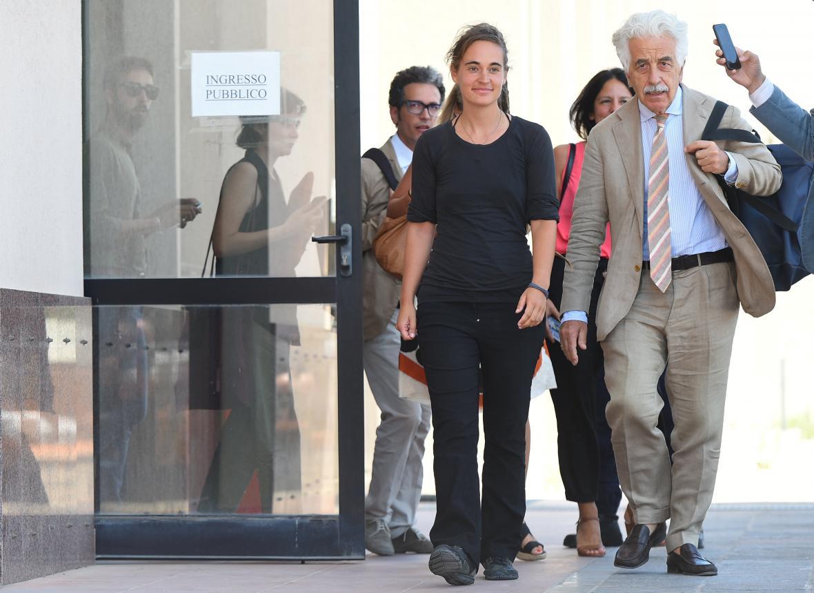 Racketeová se svým právníkem Alessandrem Gamberinim