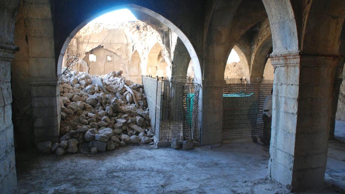 Čeští vědci se snaží zachránit hrobku proroka Nahuma