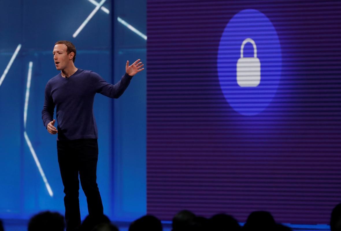 Zakladatel Facebooku Mark Zuckerberg na konferenci v květnu 2018
