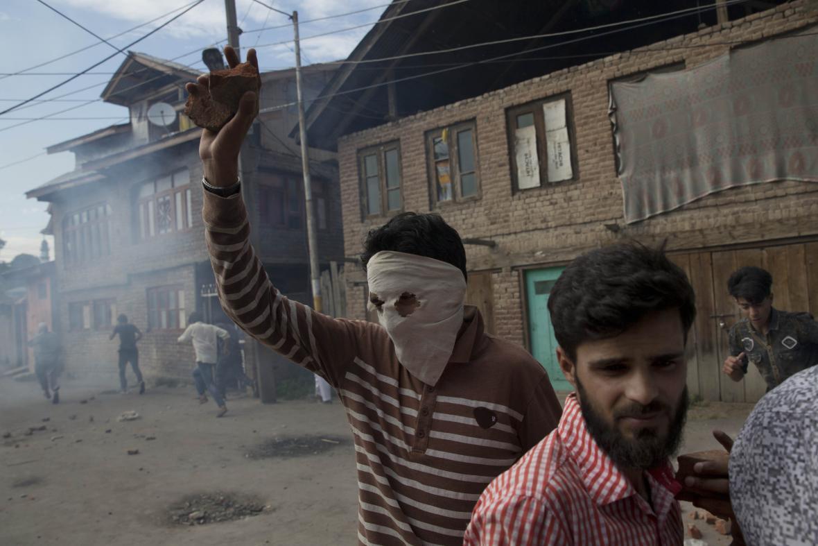 Střety s indickými bezpečnostními silami ve Šrínagaru