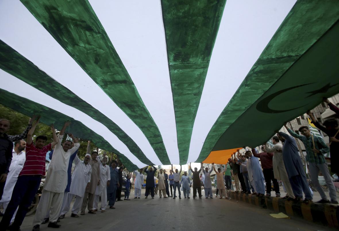 Protest v pákistánském Karáčí