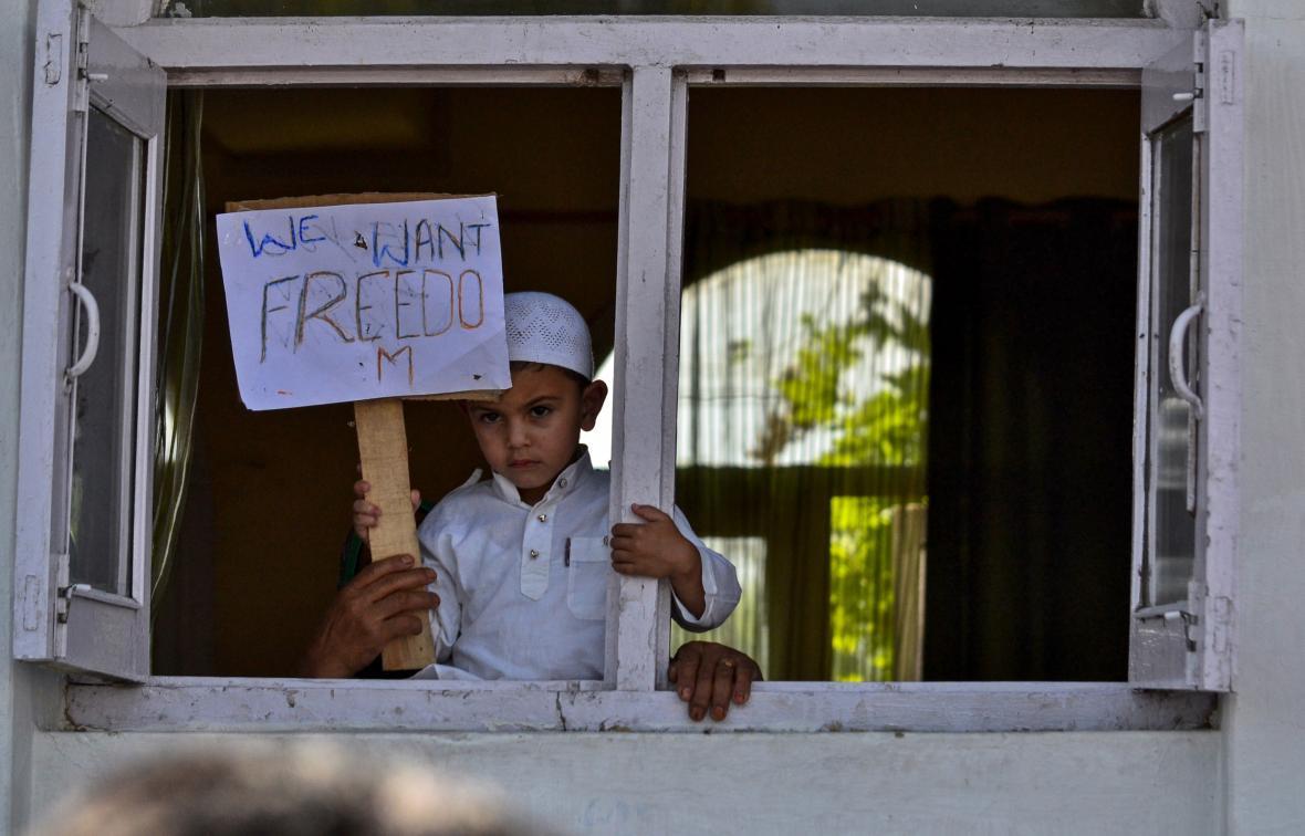 Protest proti krokům Dillí v Kašmíru