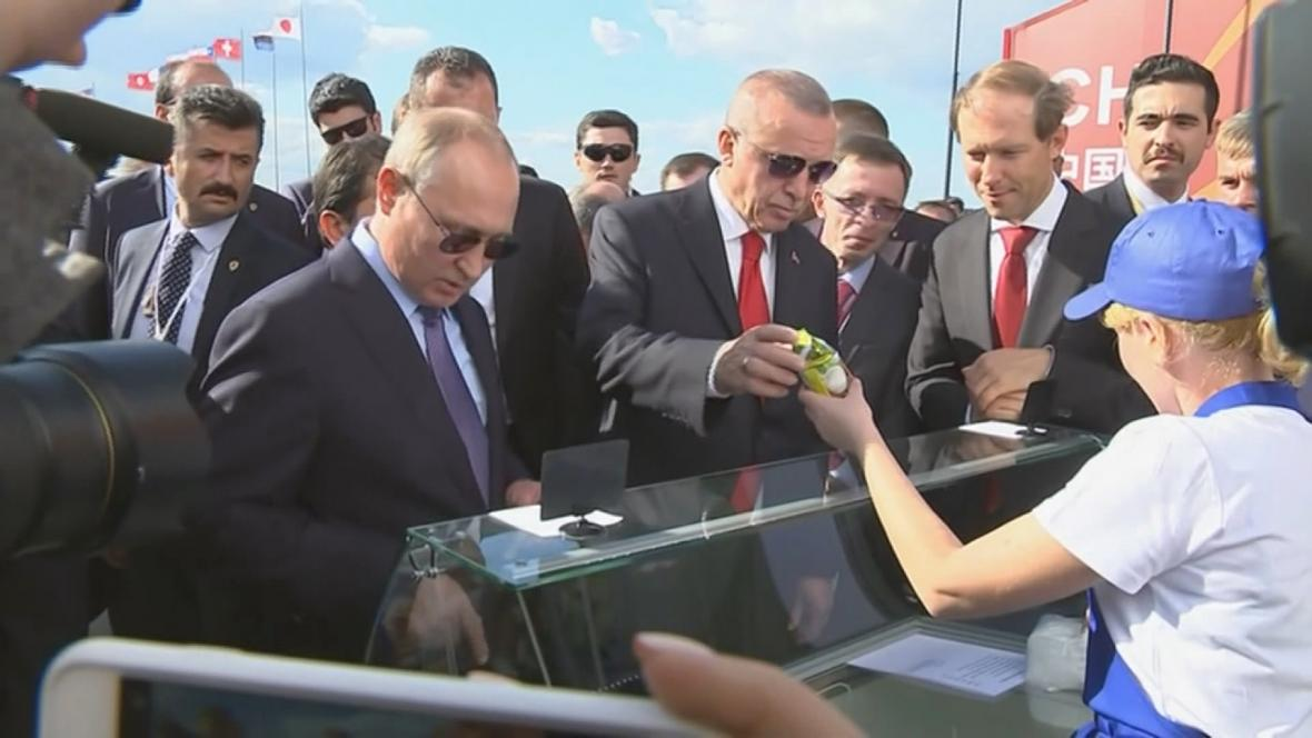 Putin koupil Erdoganovi ruskou zmrzlinu