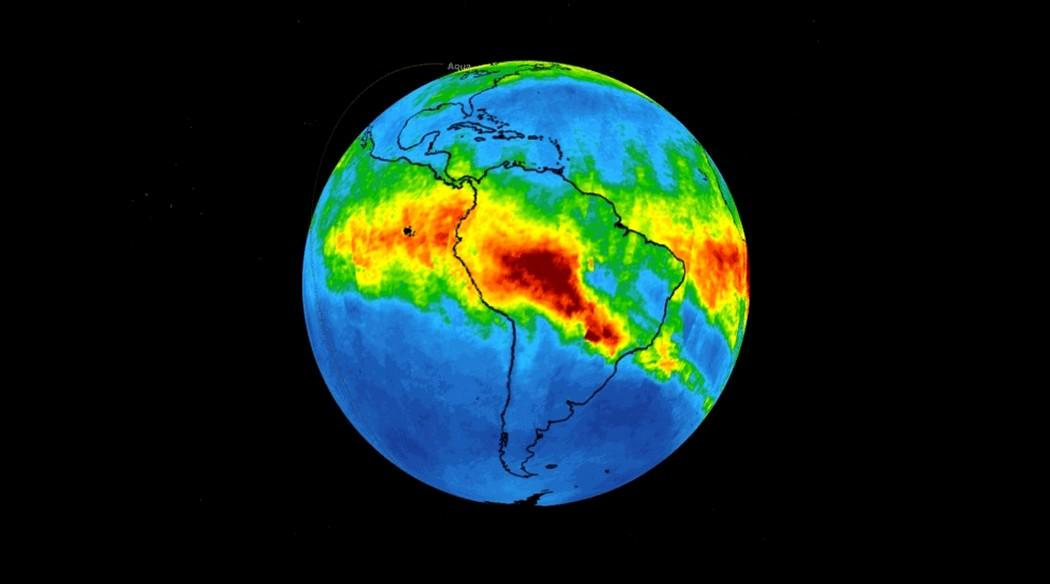 Satelitní snímek NASA mraku oxidu uhličitého nad Jižní Amerikou
