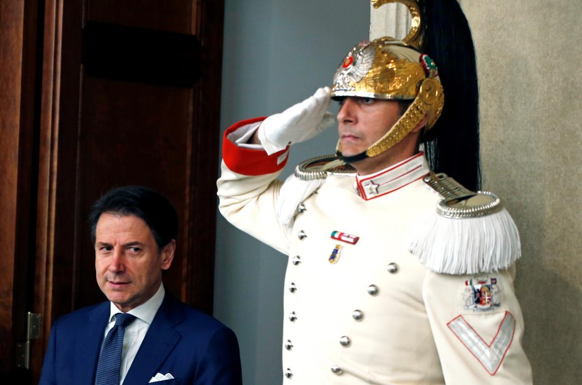 Conte si odnesl od prezidenta pověření sestavit novou vládu