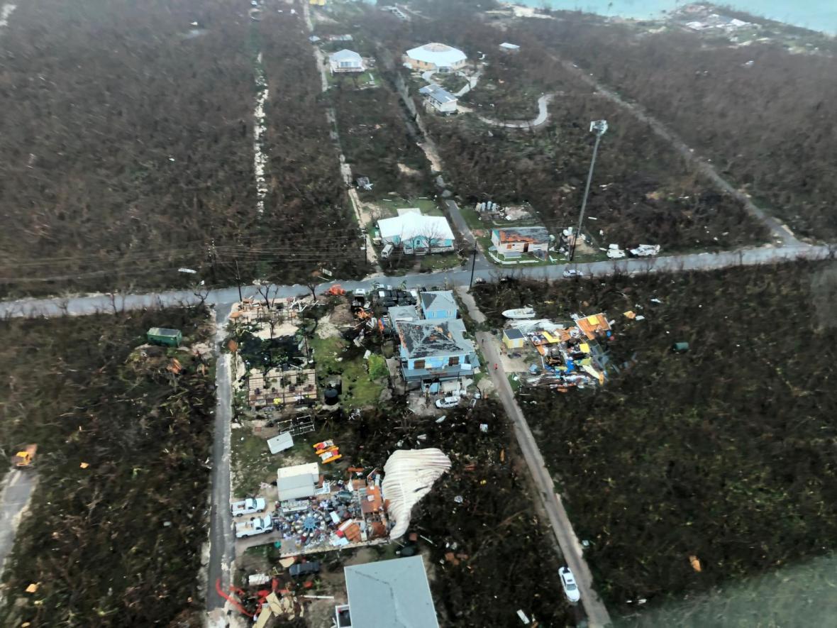 Hurikán Dorian zničil na Bahamách až polovinu budov