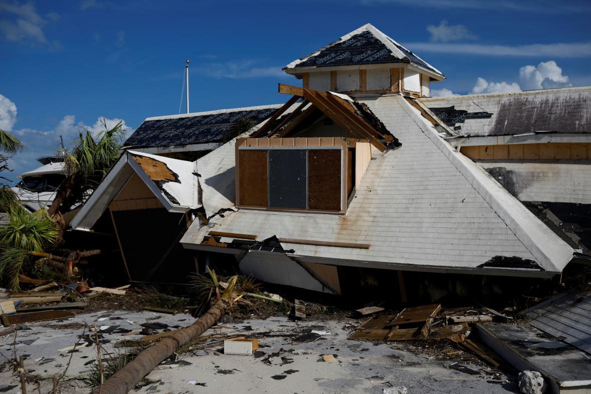 Hurikánem zničený hotel na Bahamách