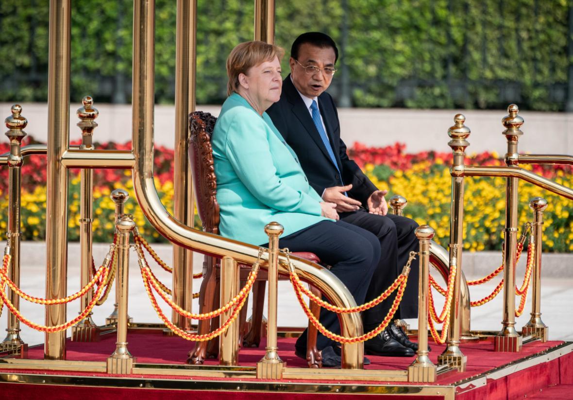 Německá kancléřka Angela Merkelová a čínský premiér Li Kche-čchiang