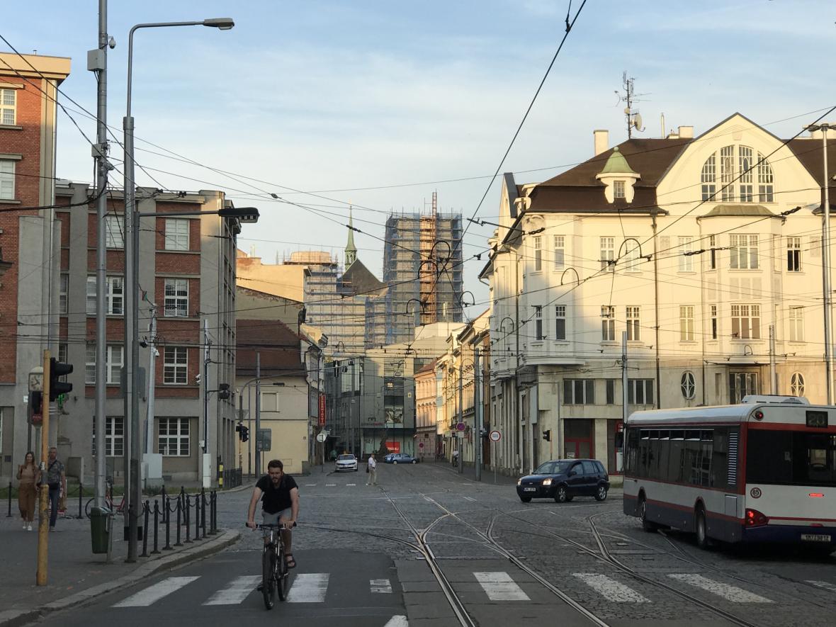Ulice 8. května v Olomouci (pohled z ulice Palackého)