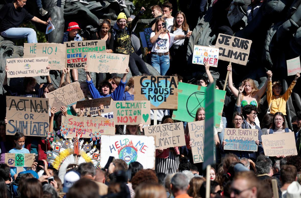 Protest za klima v Paříži