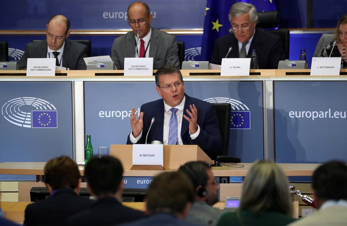 Maroš Šefčovíč během takzvaného grilování v europarlamentu