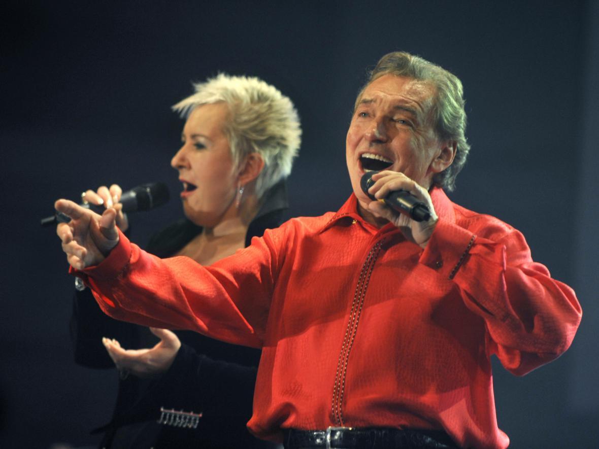 Karel Gott a operní pěvkyně Eva Urbanová