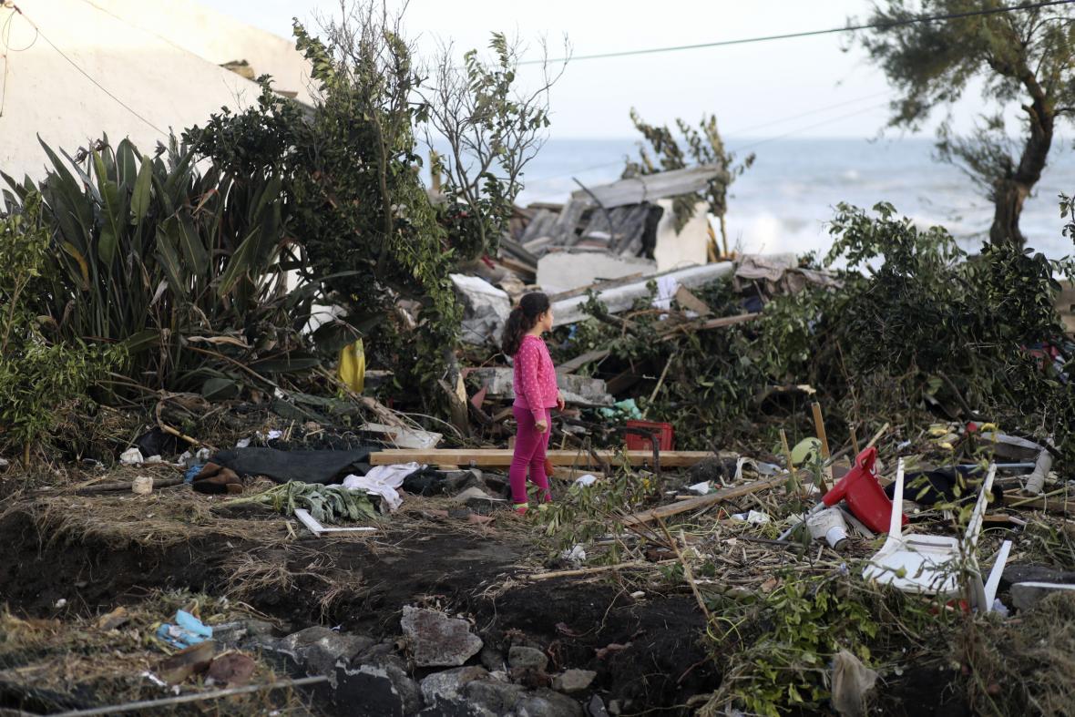 Hurikán Lorenzo napáchal na Azorech menší škody