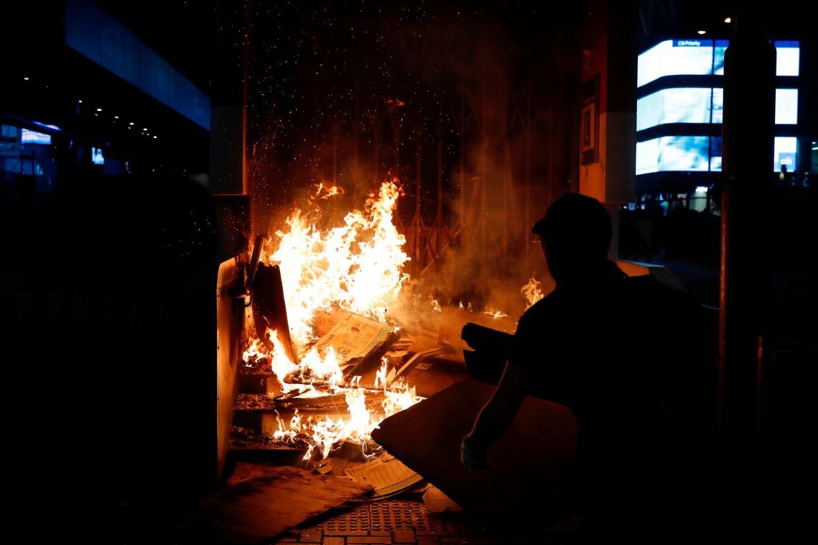 Nepokoje v Hongkongu