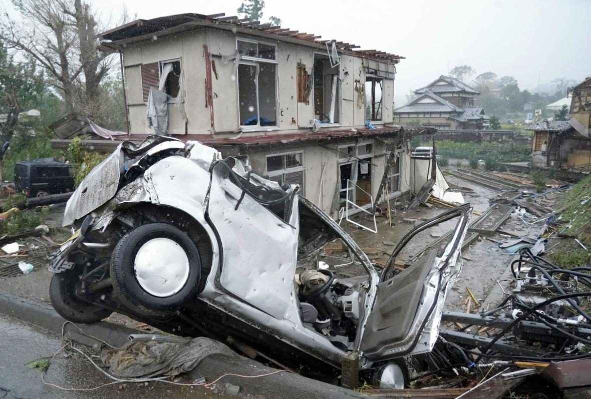 Následky tajfunu Hagibis ve městě Ičihara u Tokia