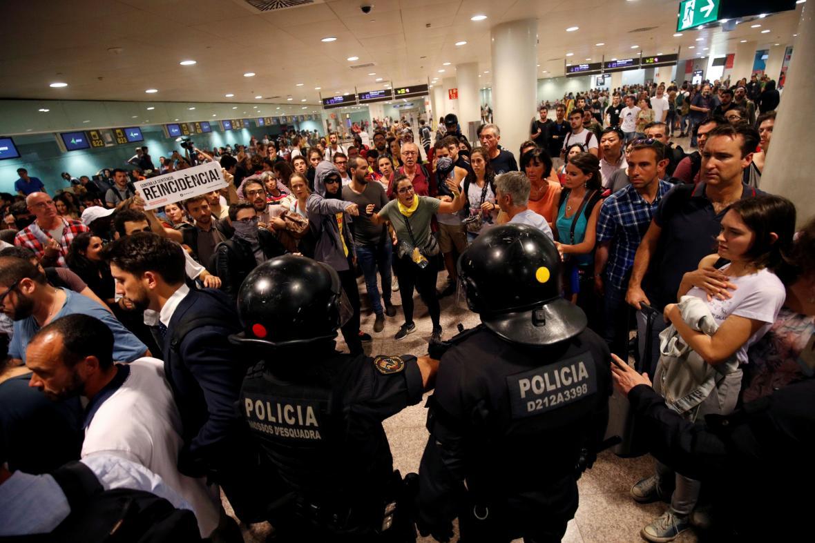 Protest na letišti v Barceloně