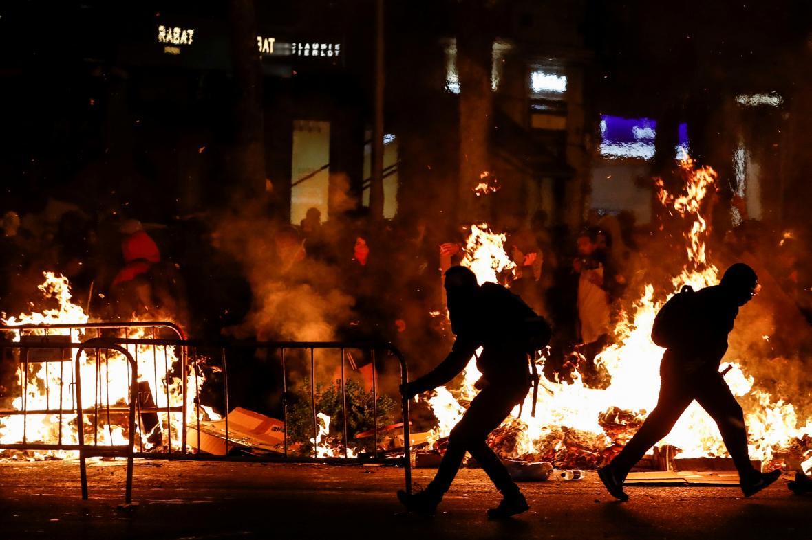 Noční srážky radikálů v centru Barcelony