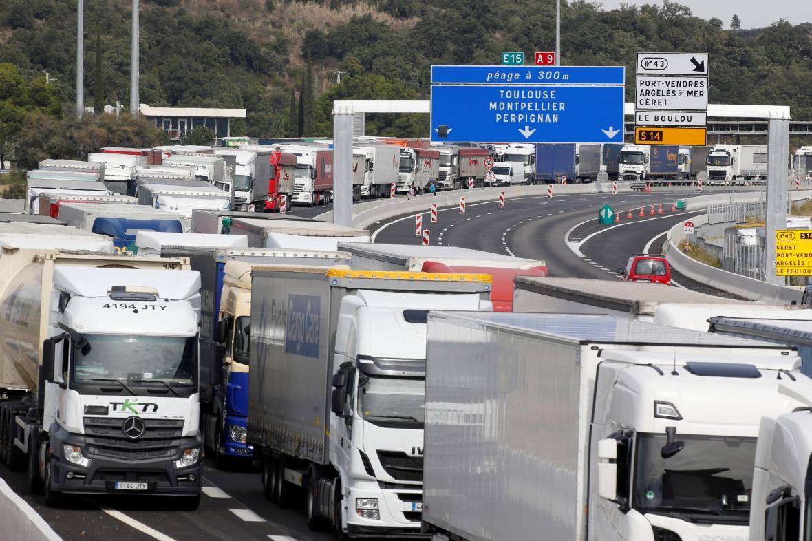 Stávka a pochody zablokovaly několik důležitých silnic v Katalánsku