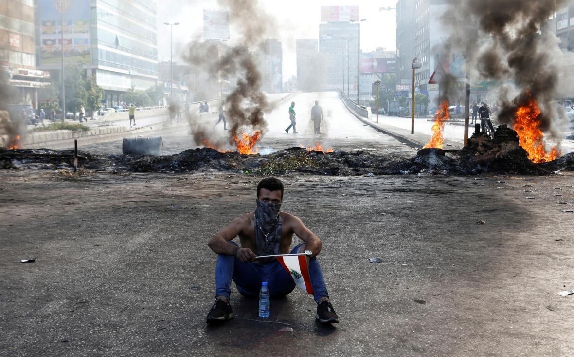 Libanoncům došla trpělivost s ekonomickou krizí v zemi