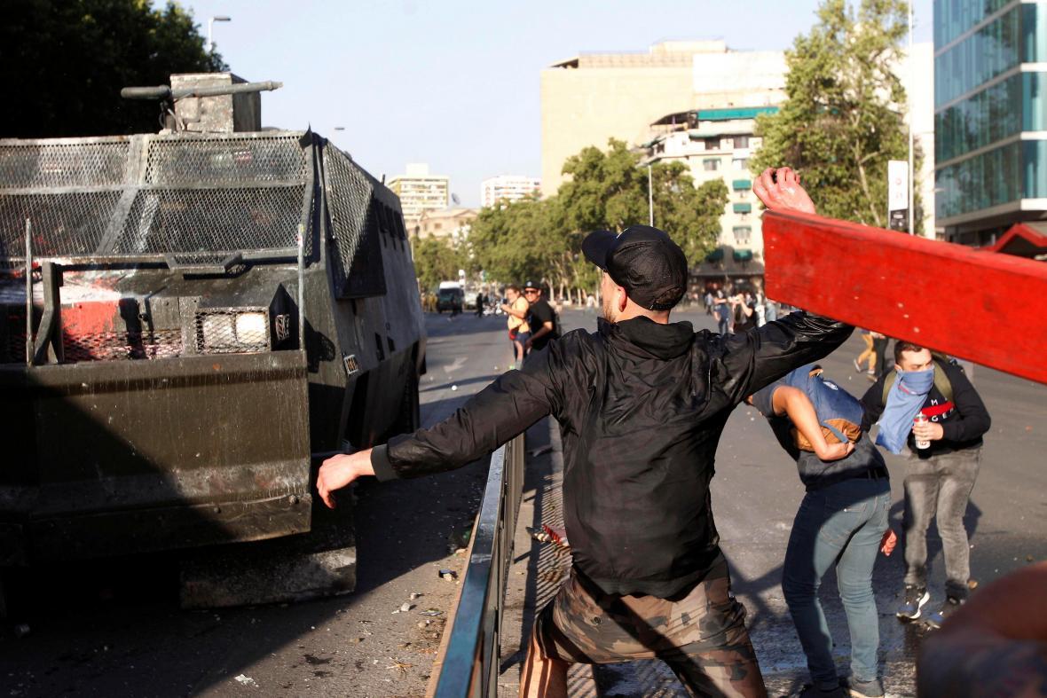 Nepokoje v Santiagu de Chile
