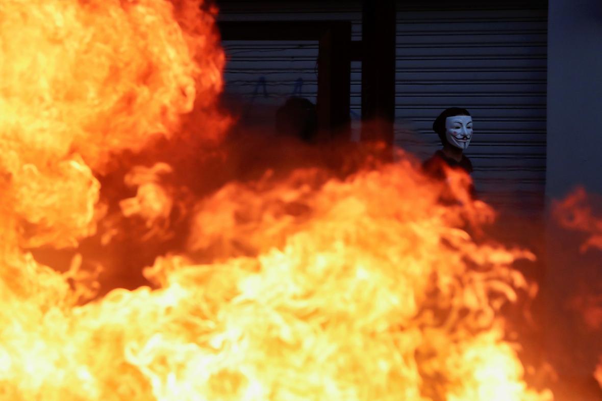 V Santiagu de Chile vzplanuly ohně