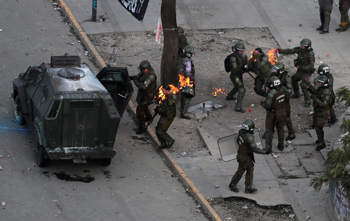 Zásah proti demonstrantům v Chile