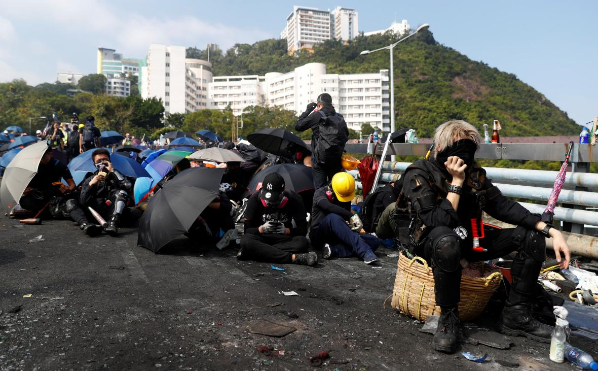 Demonstranti u čínské univerzity v Hongkongu