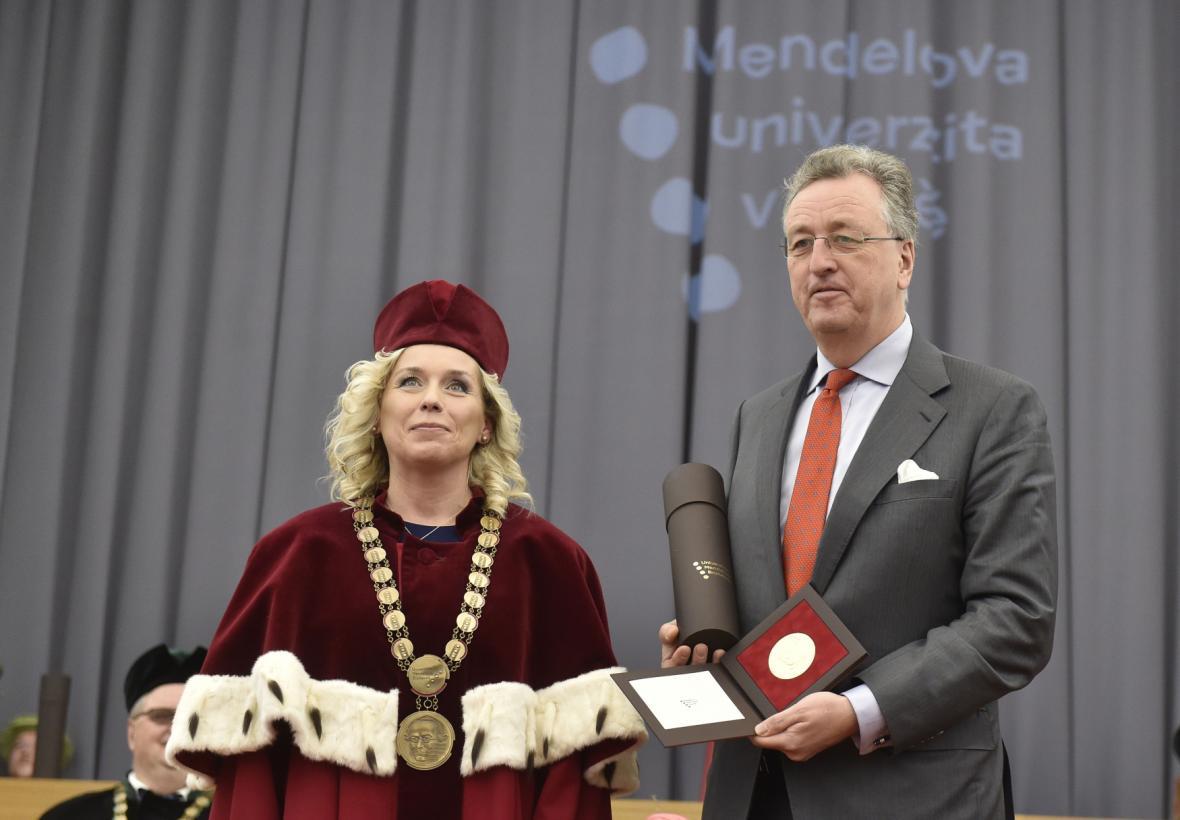 Constantin Kinský převzal medaili Mendelovy univerzity