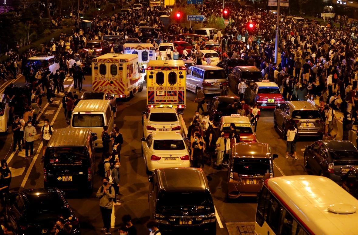 Zablokované silnice v okolí hongkongské polytechniky