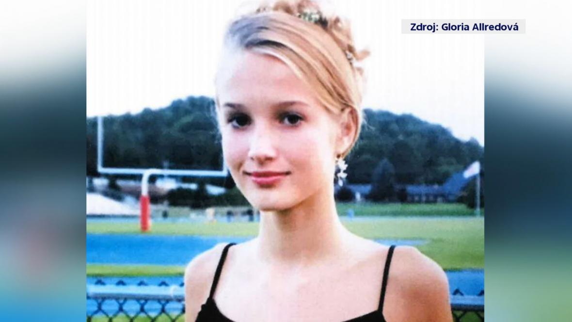 Jane Doe v 15 letech, kdy si z ní měl Epstein udělat sexuální otrokyni