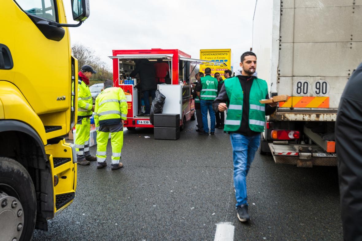 Protest řidičů kamionů ve Francii