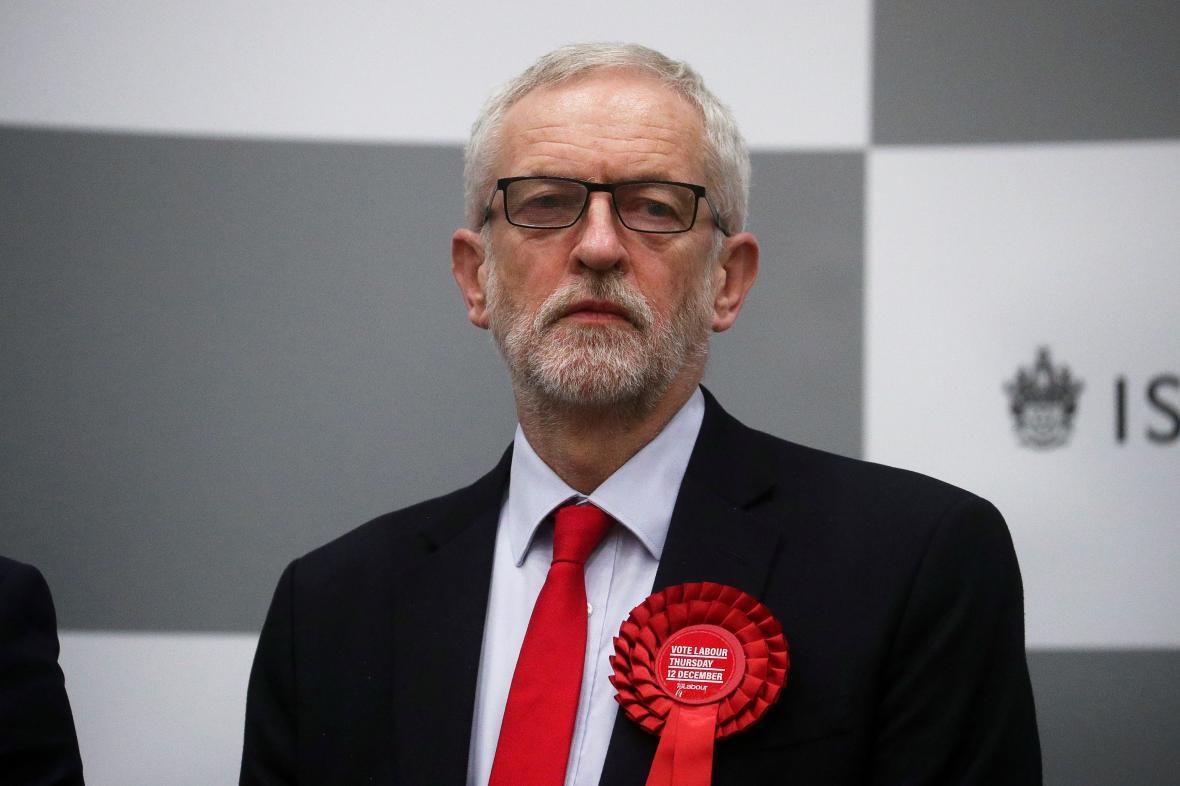 Jeremy Corbyn při vyhlašování výsledku voleb
