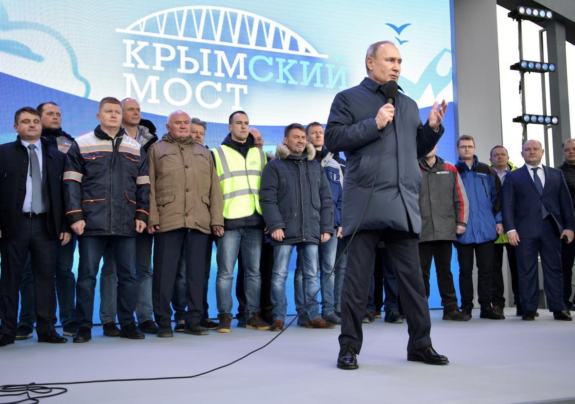 Slavnostní zahájení železničního spojení mezi Krymem a Ruskou federací
