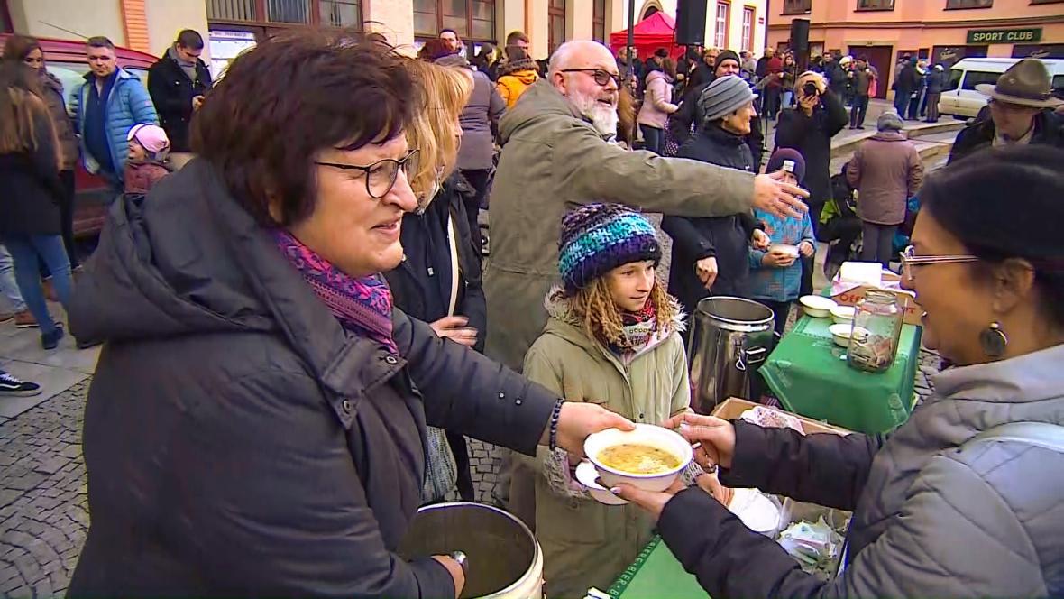 Podávání polévky v Boskovicích