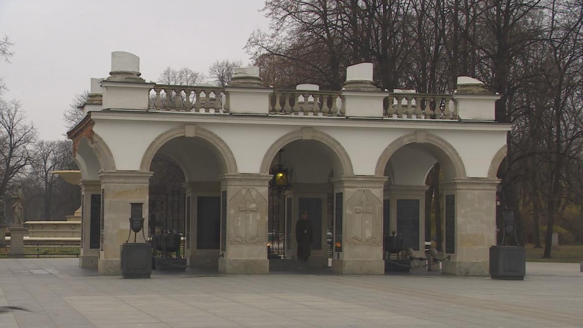 Jediný pozůstatek Saského paláce ve Varšavě