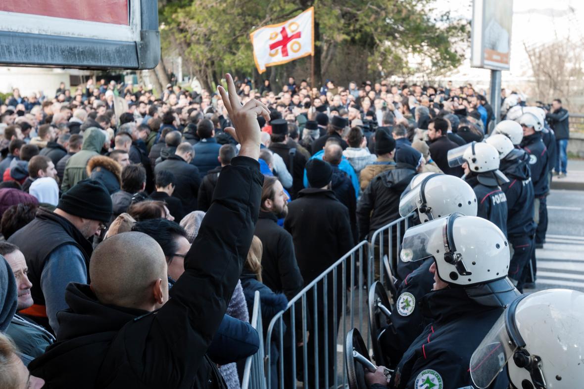 Před hlasováním policie uzavřela centrum Podgorice