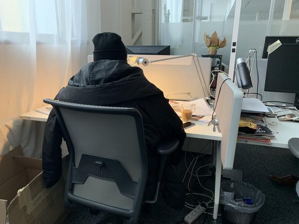 Redaktoři pracují v provizorních podmínkách