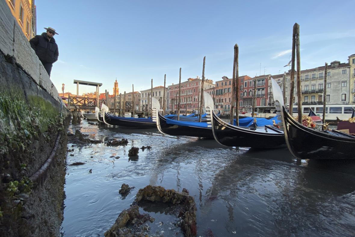 Sucho zkomplikovalo dopravu po Benátkách