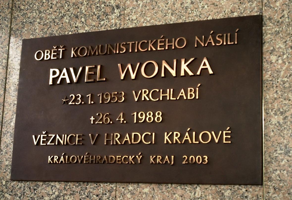Pamětní deska Pavla Wonky