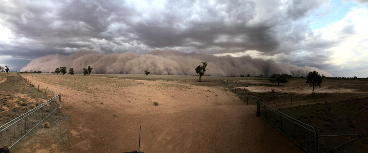 Písečná bouře v Austrálii