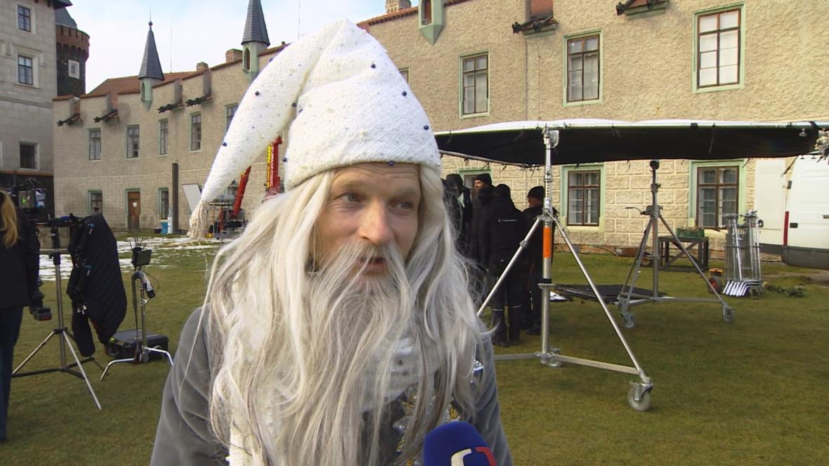 Matěj Hádek při natáčení pohádky O vánoční hvězdě