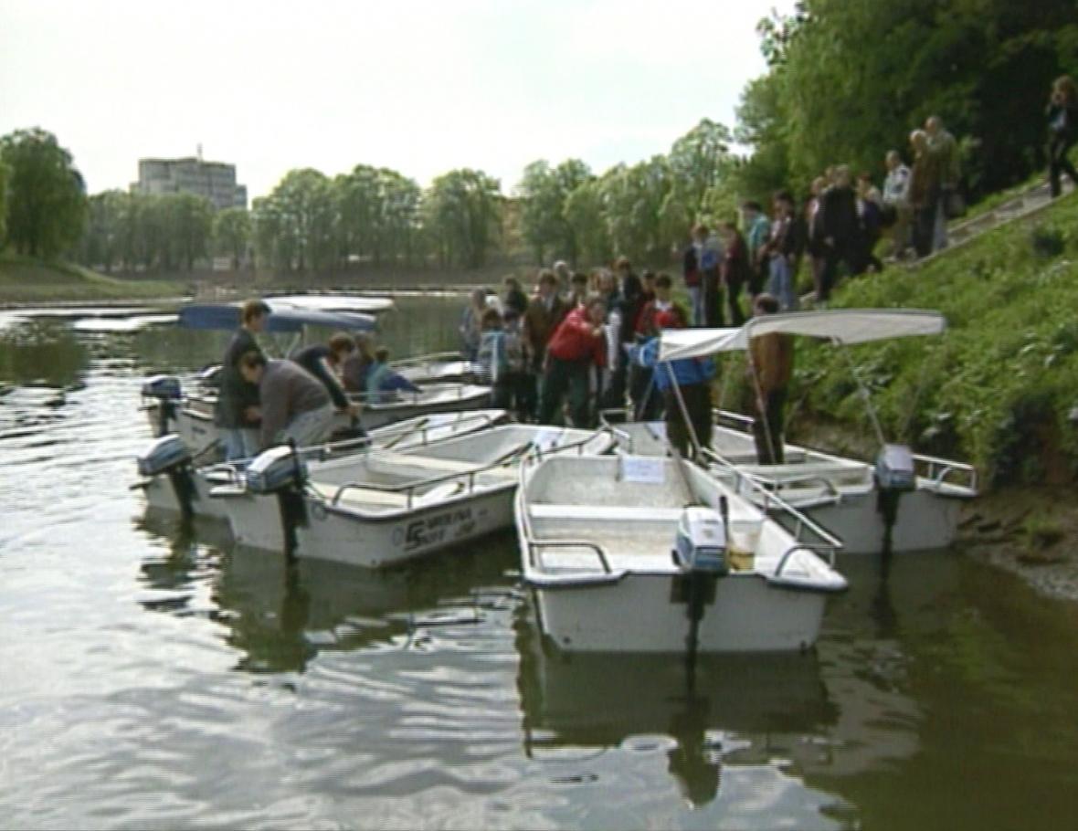 Lodě Caroline se staly symbolem rozvoje Baťova kanálu v 90. letech