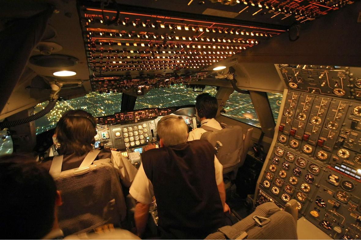 Kokpit Boeingu 747-200 společnosti Iran Air